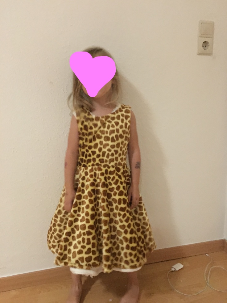 DIY Kinderkostüm Giraffe als Kleid