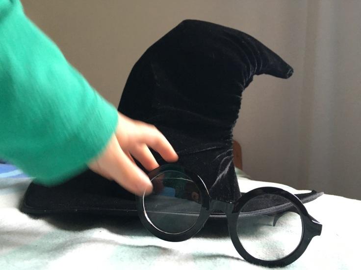 brille und hut