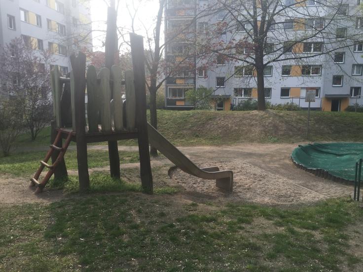 Rutsche Spielplatz Königsheimplatz Dresden