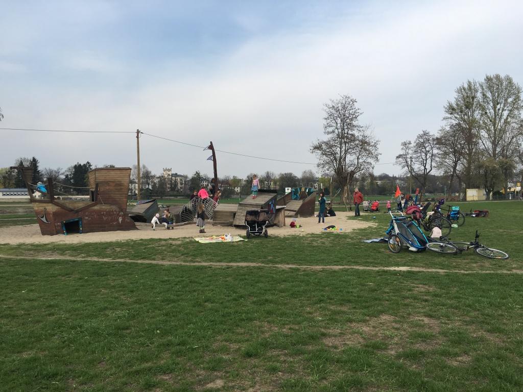Spielplatz Dresden Piratenspielplatz an der Elbe