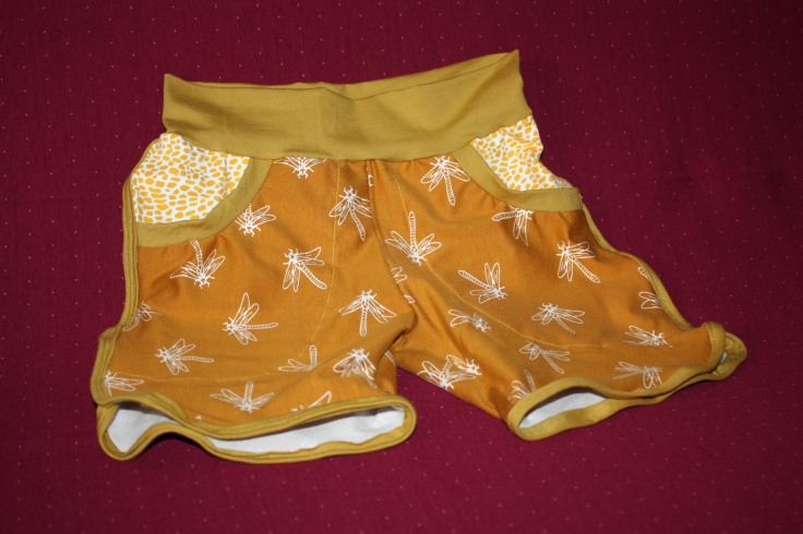 Shorts in Senfgelb