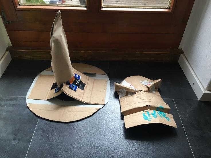 Sprechender Hut Teile