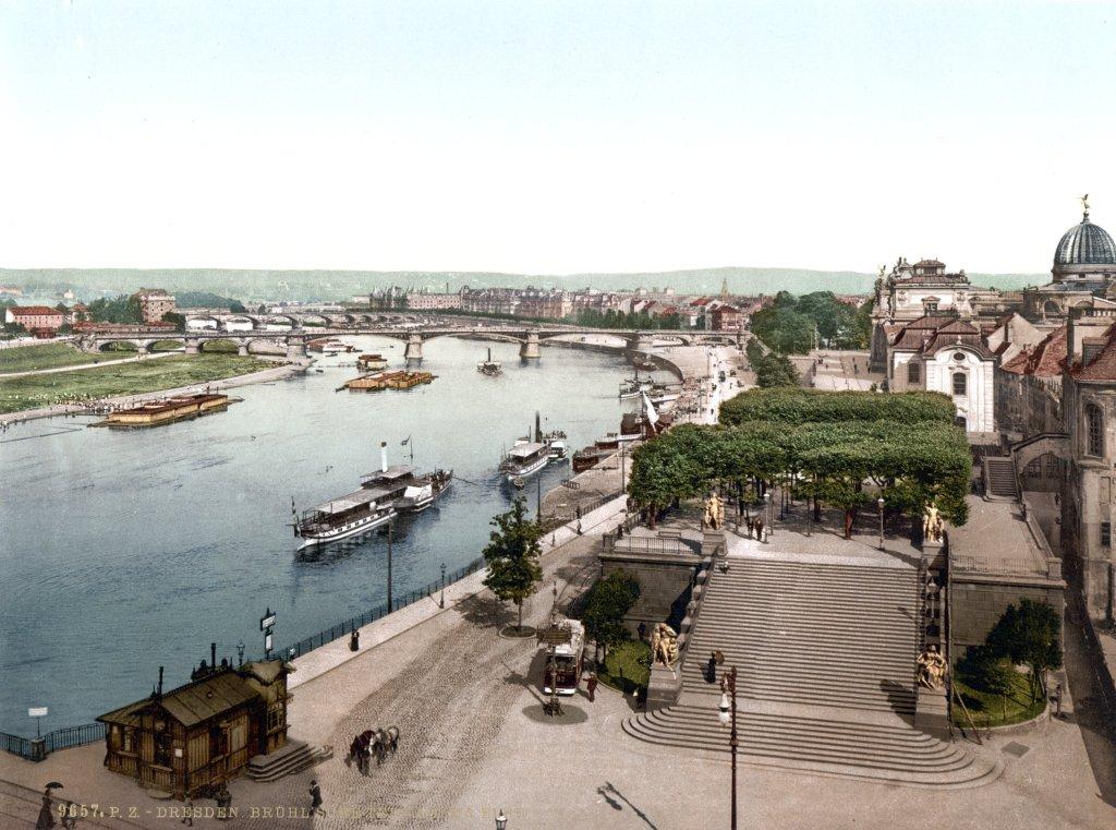 Flussschwimmbad Dresden 1900