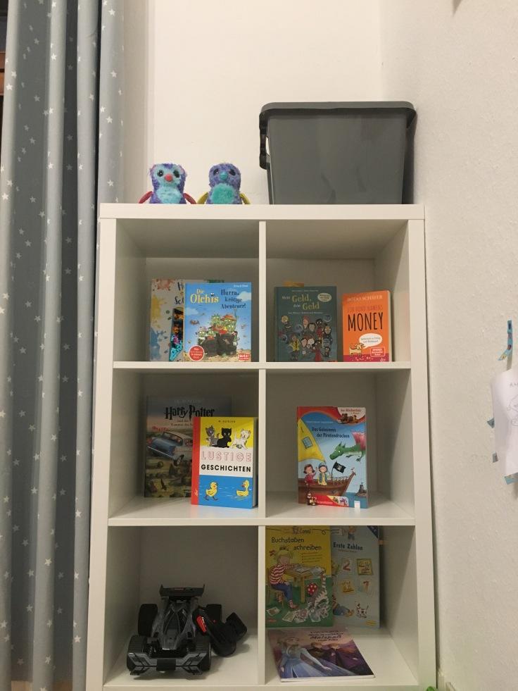 Bücher aufräumen nach Montessori