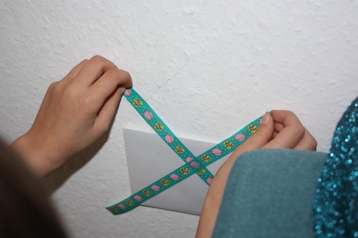Brief an der Wand